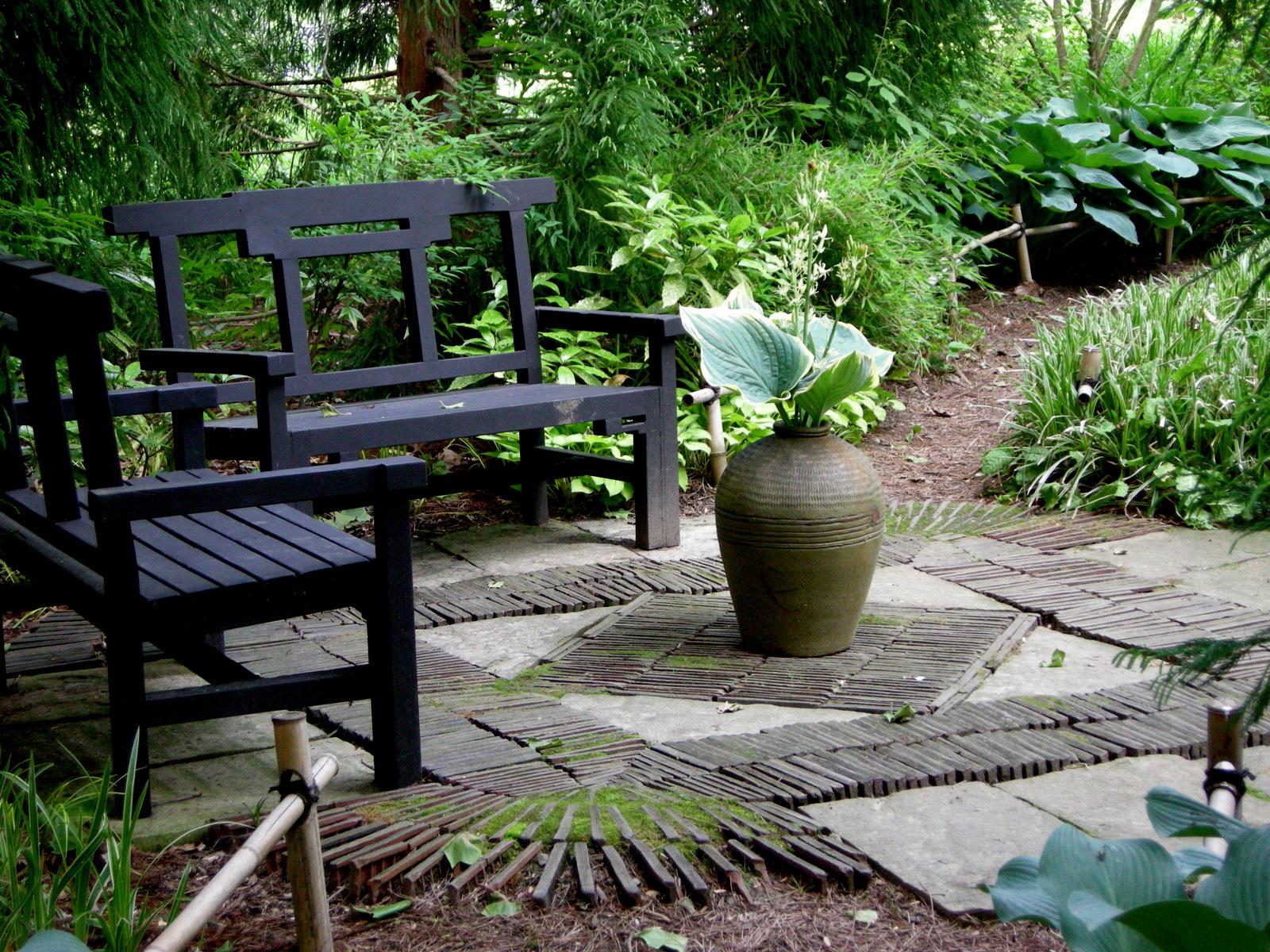 Chanticleer part 2 garden seating carolyn 39 s shade gardens for Garden designs seating areas