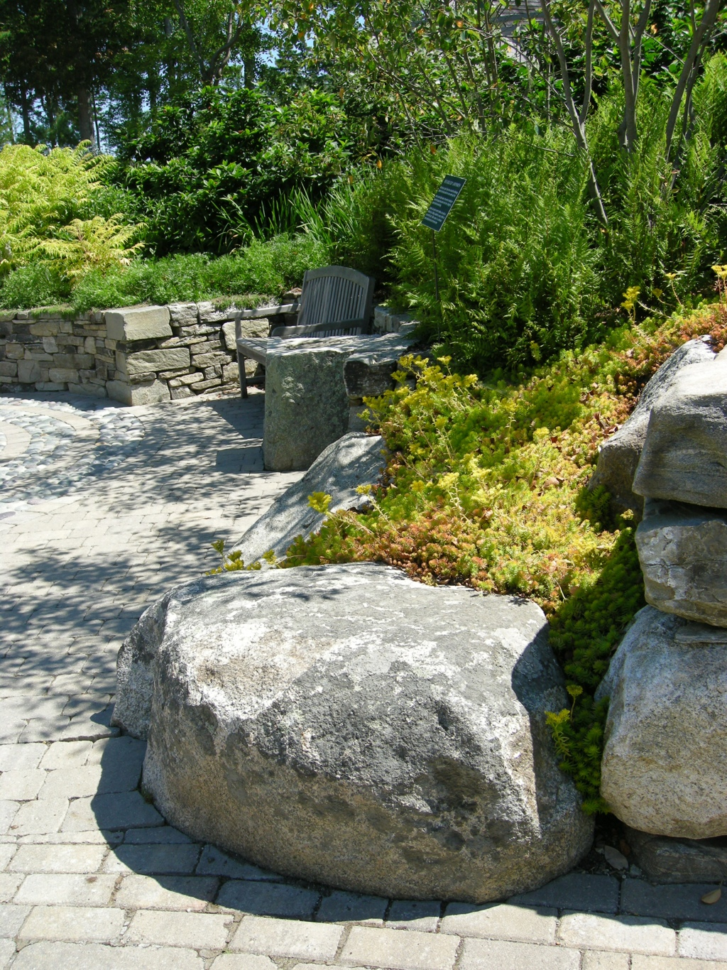 Natural rock garden seating carolyn 39 s shade gardens for Natural rock landscaping
