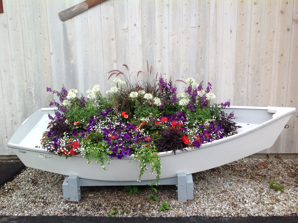The boat planter container gardens pinterest for Garden planters