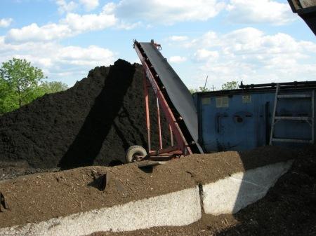 Moriuchi compost 5-25-2014 5-22-27 PM